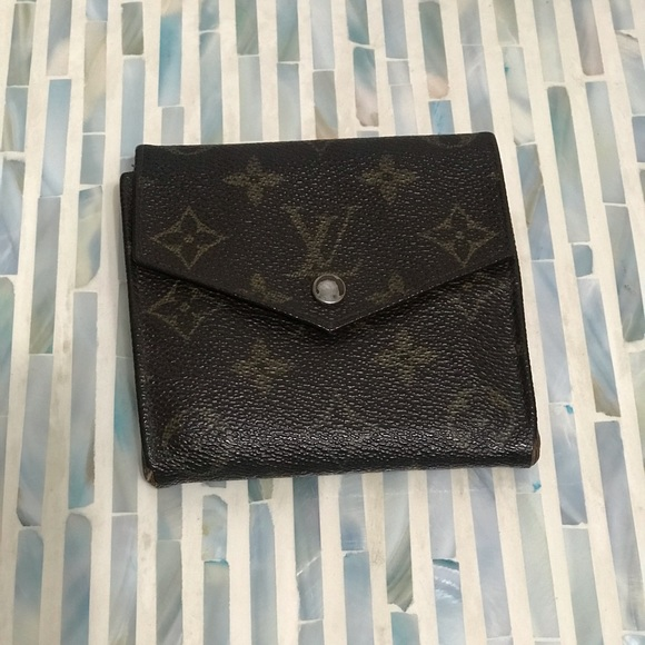 d750c2760f7 Louis Vuitton monogram small wallet